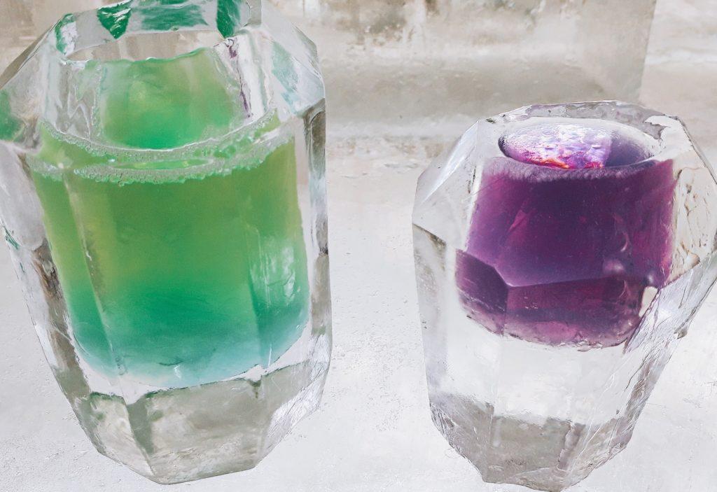 しかりべつ湖コタンの氷のグラスで飲んだ飲み物