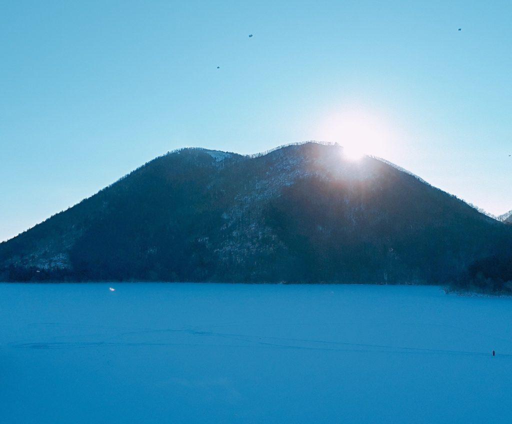 ホテル風水から見た早朝のくちびる山