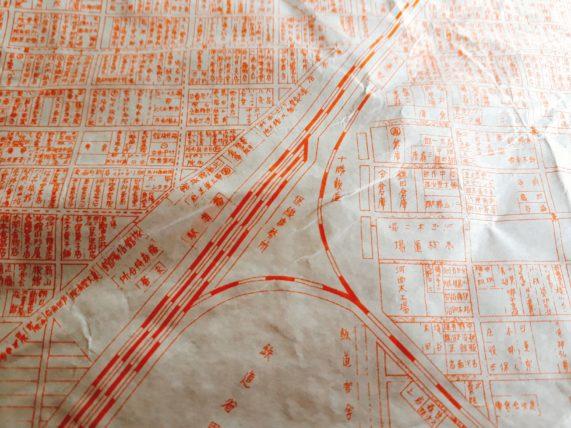 帯広のとてっぽ通りを走っていた十勝鉄道と日甜の関係・高橋まんじゅう屋の包装紙の秘密